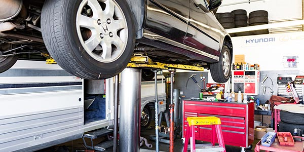 Inside the shop - G & M Auto Repair | Canyon Country Auto Repair Services